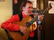 flamenco-guitar-player-la-paella-tapas-bar-north-london-fiesta
