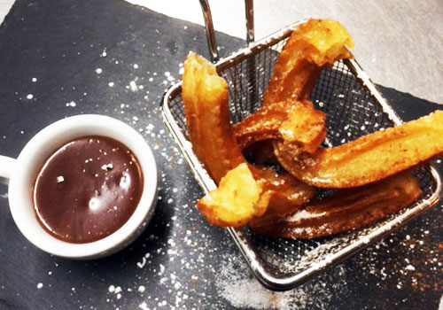 Churros Con Chocolate (G)